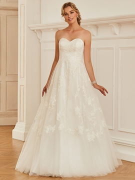 Sweetheart Appliques Ball Gown Tulle Wedding Dress