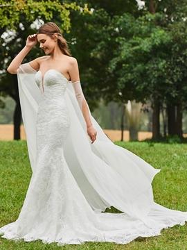 Sweetheart Mermaid Lace Garden Wedding Dress