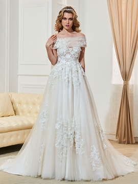 Charming Sweetheart Appliques Button A Line Wedding Dress