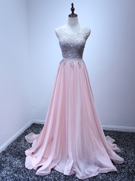 Scoop Neck Appliques Prom Dress