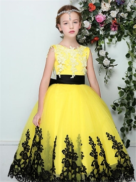Stylish Tulle Appliques Scoop Sleeveless Flower Girl Dress