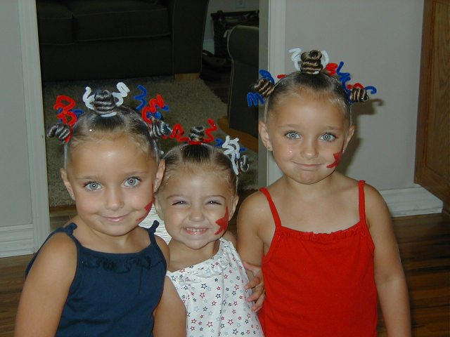 4th of july hairstyle: star twists | cute girls hairstyles
