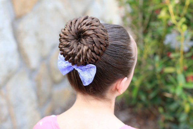 rope-twist pinwheel bun | prom hairstyles | cute girls