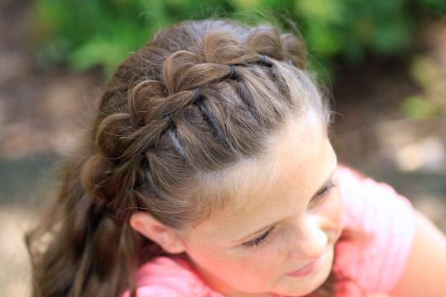 the split headband | hairstyles for short hair | cute girls