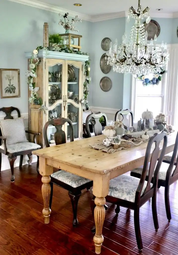Casual Elegant Dining Room Inspired by Fall