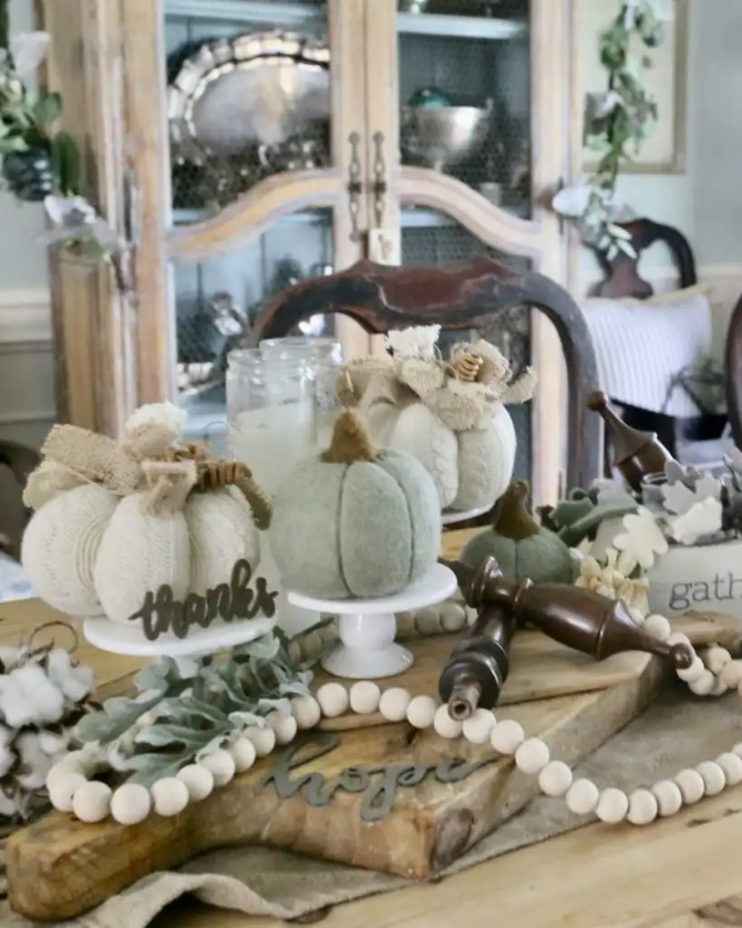 Neutral Fall tablescape ideas