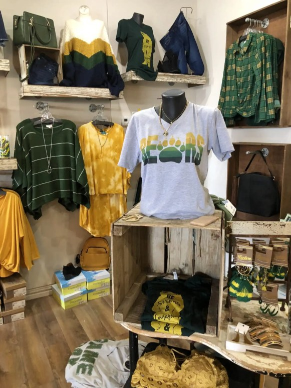 Sic 'em Bears Green and Gold Section