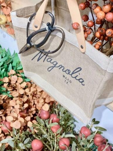 Margnolia Market Tote bag
