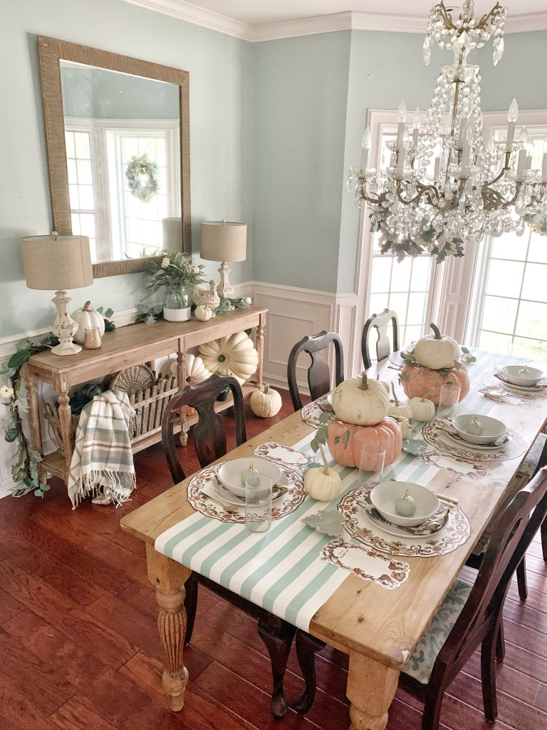 Dining room decorated for thanksgiving dinner