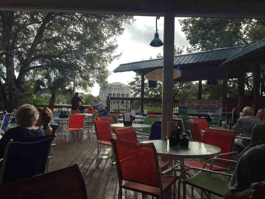 boardwalk billy's restaurant patio