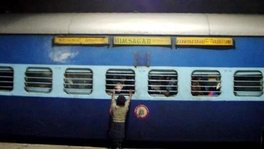 Train - Himsagar, the train with the longest route in India (Jammu Tawi to Kanyakumari)