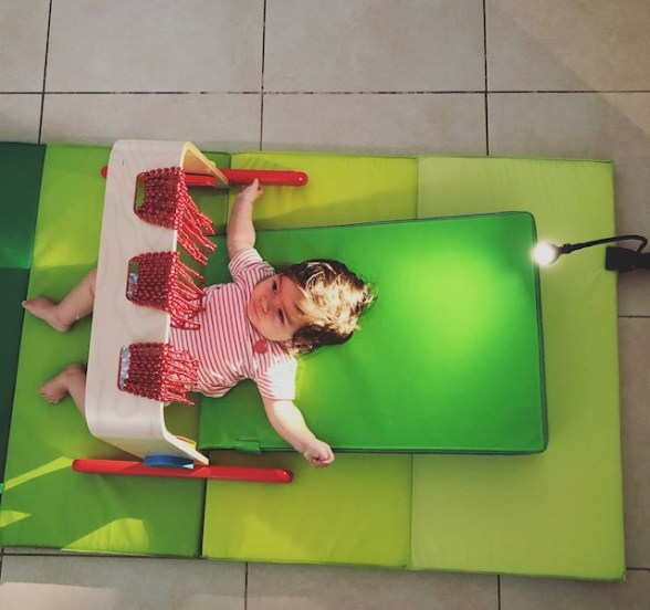 13 Ways to Build Visual Stimulation into the Daily Routine of Babies with CVI
