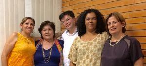 Da esquerda para a direita: Graça, Ana, Osmar, Renata e Flávia.