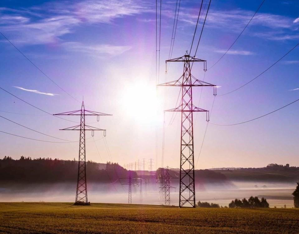 Cyberpolicen | Bedrohung der Stromversorgung durch Attacken auf intelligente Verteilernetze nimmt zu