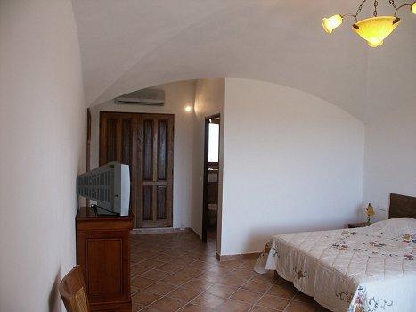Les Chambres De LHte Antique Chambres Sotta En Corse