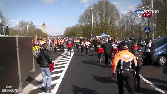 Cycleboredom | Screencap Recap: Ronde van Vlaanderen - Politie Ain't Polite
