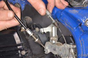 Carburetor Removal | CYCLEPEDIA Yamaha TW200 Online Manual