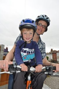 Kids front cross bar bike seat