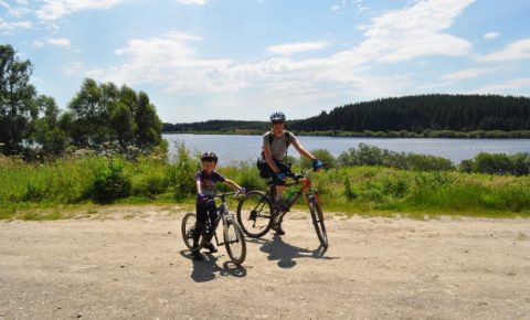 Family bike ride at Alwen Reservoir