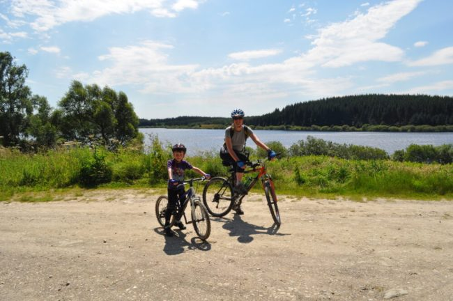 Family bike rides in North Wales - Alwen Reservoir