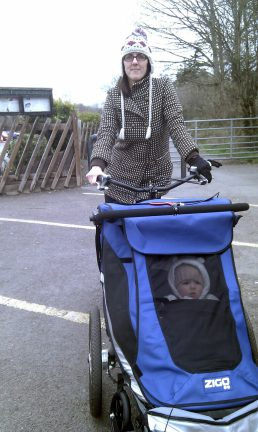 Zigo Leader tricycle for carrying children - Dawn and Alby ready for a ride