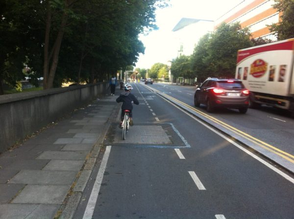 Segrated cycle path