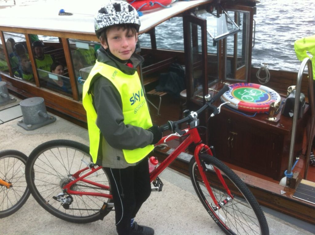 Getting ready to lift the Islabikes Beinn on board the Windermere Bike Boat