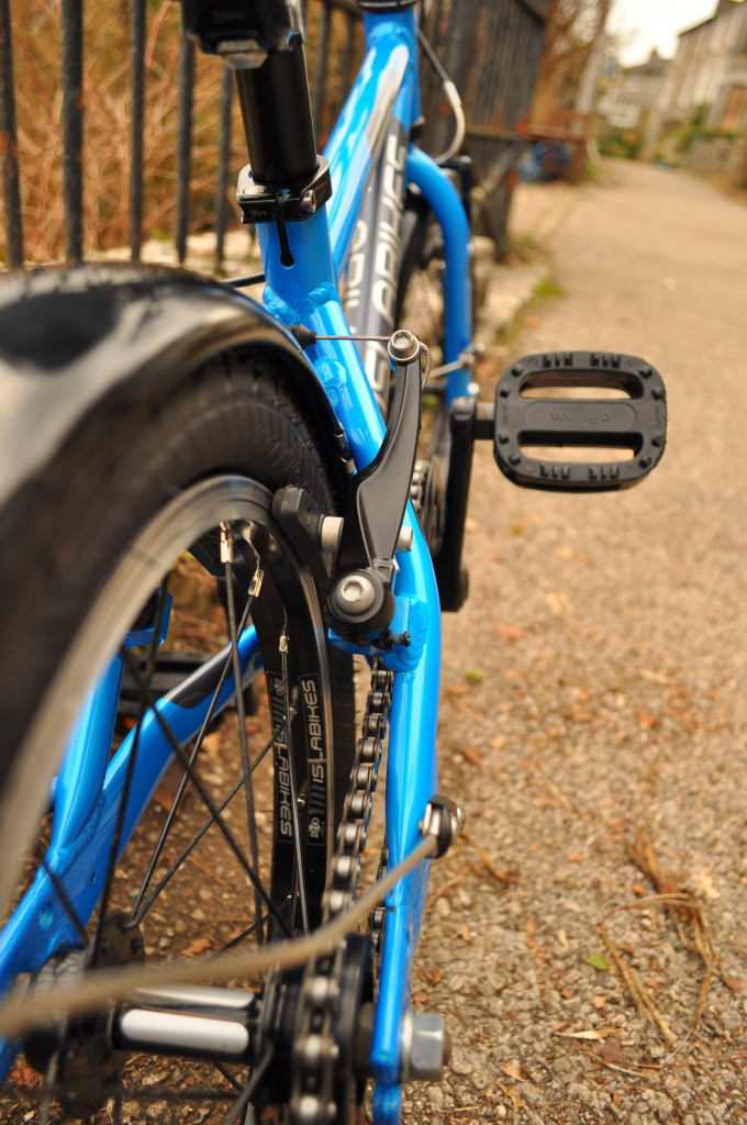 How to prepare a kids bike for sale - clean paintwork