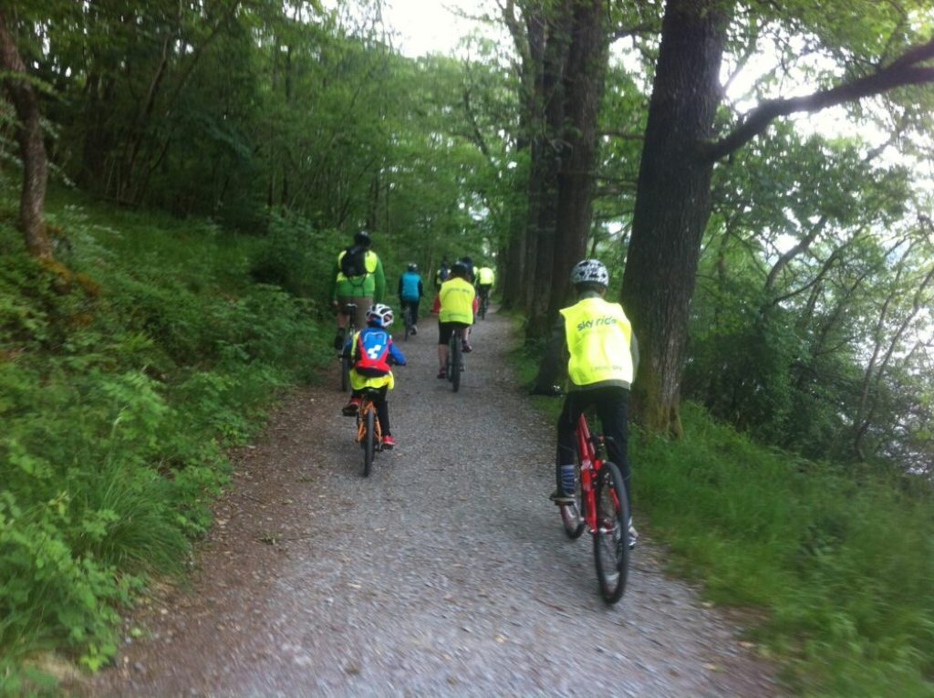 Family friendly cycling along the shore of Lake Windermere