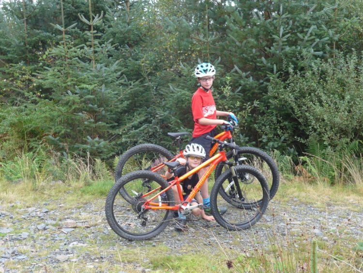 """Review of the Islabikes Creig Mountain Bikes for kids - 24"""" and 26"""" wheels"""