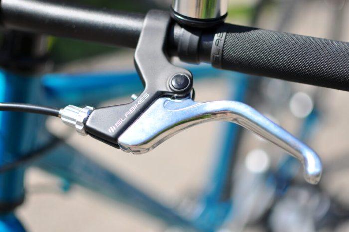 Kids sized brakes on the Islabikes Beinn 27