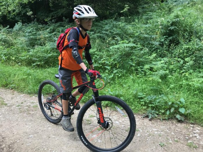 "Frog MTB 69 Review - the 26"" wheel kids mountain bike in use"