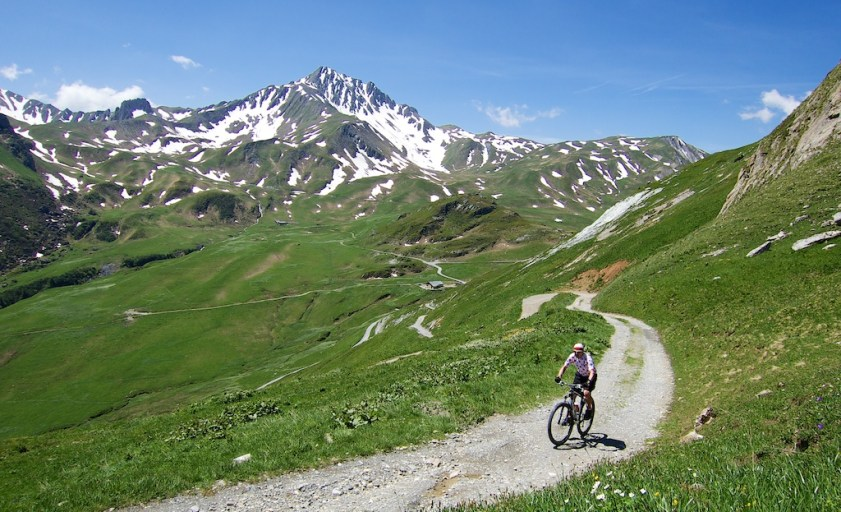 Heading to Col du Coin
