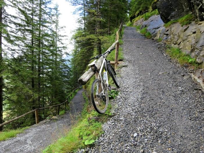 """road"" above Kandersteg to Gemmipass"