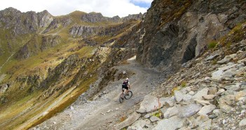 Cliff Road above Col des Mines