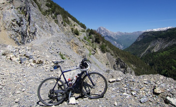 """Road"" linking Col d'Albanne and Valloire"