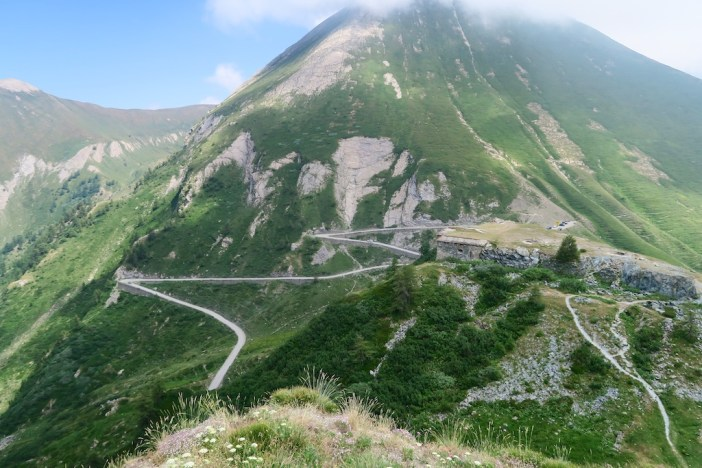 Il Forte del Colle delle Finestre  and final hairpins to Colle