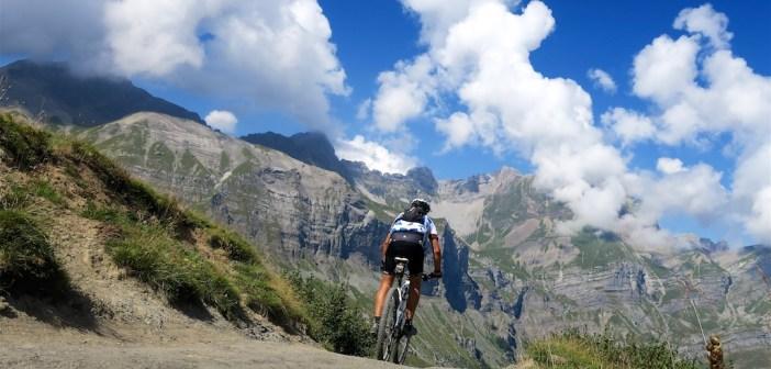 Descending Col de Niard