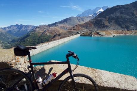 Lago Serrù Dam