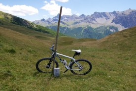 Col Bourget/border post