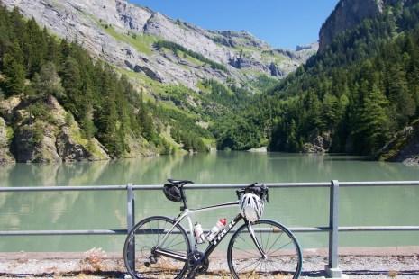 Standing on digue du lac du Godet