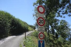 The road becomes narrow at 1500m