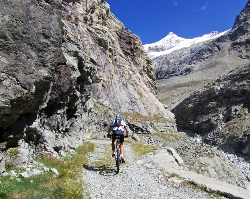Glacier d'Epicoune above