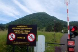 Final 4.8 kms begins here. Bikes banned.