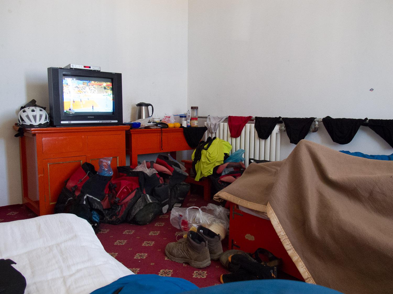 Simple hotel room in Zekog