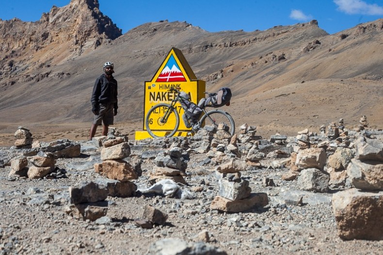 Cycling to the top of Nakeela pass in Ladakh