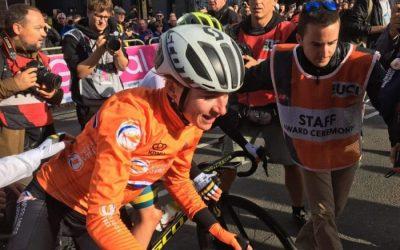 Van Vleuten solos to victory in the Elite Women's Road Race