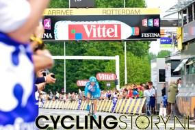 Frans kampioen op de weg Thomas Voeckler komt over de finish (foto: © Laurens Alblas/Cyclingstory.nl)