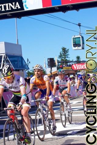 Cadel Evans (links) vond het wel weer welletjes voor vandaag (foto: © Laurens Alblas/Cyclingstory.nl)