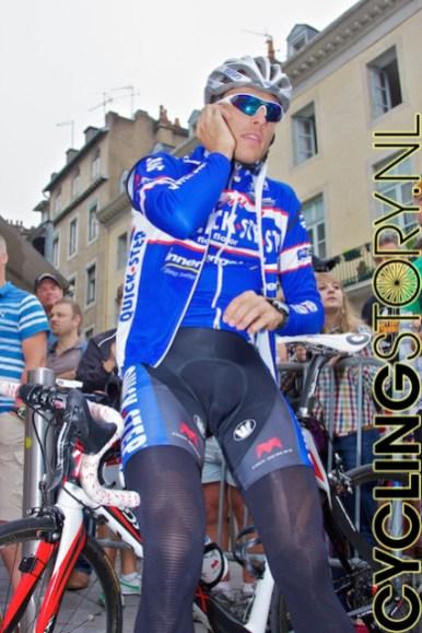 Of belden nog even snel naar huis(?) (foto: © Laurens Alblas/Cyclingstory.nl)